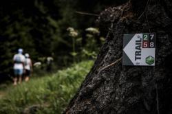 Parcours trail Evolène - balises et flèches